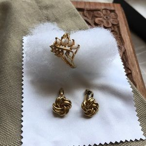 💐Bundle of Ring and Earrings